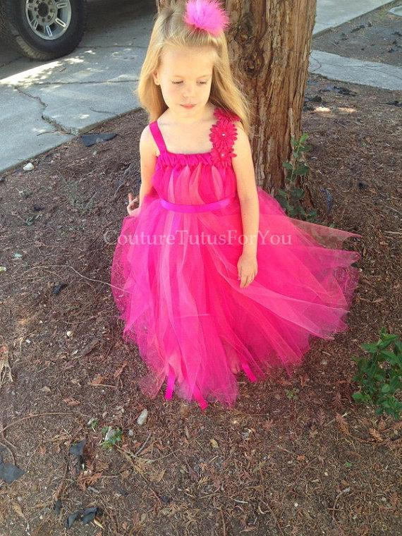 Hochzeit - Pink Razzle, pink tulle dress, tulle dress, pink tutu dress, pink dress, pink tutu, pink tulle flower girl dress, birthday dress