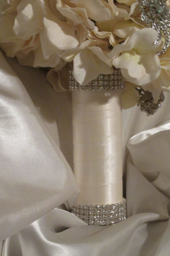 Mariage - Rhinestone Bridal Bouquet Holder, Rhinestone Bouquet Cuff