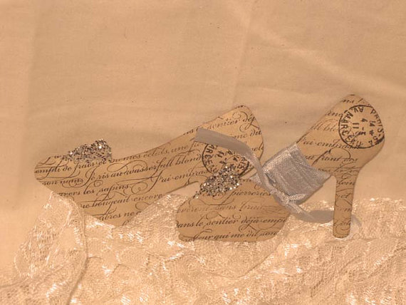 Mariage - Vintage Inspired Walnut Stained Shoes Pumps Gift Tag Set of 5 Paris Haute Couture ECS