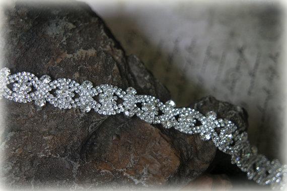 Свадьба - Authentic Crystal Rhinestone Trim, Rhinestone Applique, Bridal Applique,Wedding Applique, Sash Applique, Bouquet Wrap, DIY Wedding, CR-009