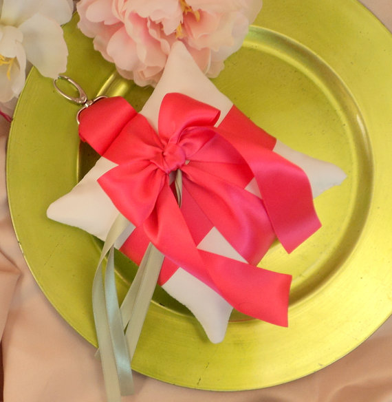 Свадьба - Pet Ring Bearer Pillow...Made in your custom wedding colors...shown in white/hot pink fuschia