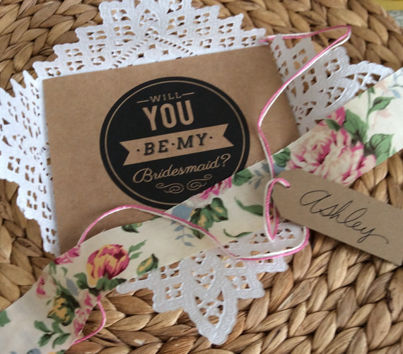 Hochzeit - Will You Be My Bridesmaid - Set of 3, 4, 5 or 6 - Paper Lace Doily - Unique Bridesmaid Reveal Card - Wedding Invitation -Ask Bridesmaid Card