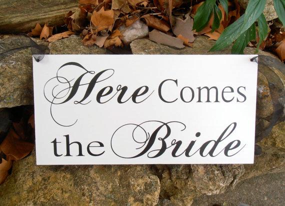 زفاف - Uncle here comes your bride Wood Sign Decoration Here comes the bride sign Ring bearer Flower girl