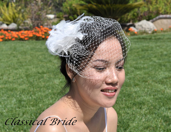 "Mariage - Mini 901 -- VEIL SET w/ OSTRICH Feather Fascinator Hair Clip & Ivory or White Birdcage Blusher 6"" Veil for bridal wedding"