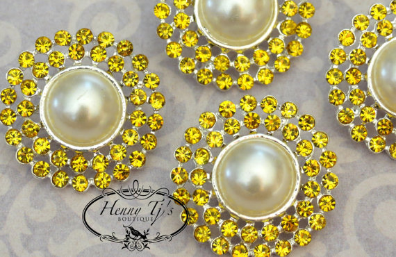 Mariage - 4 pieces - 25mm Silver Plated Metal CITRINE YELLOW Crystal Pearl Rhinestone Buttons - wedding / hair / garment accessories Flower Center