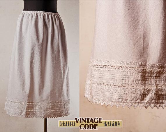 Mariage - White petticoat half slip  /  Eyelet lace  Crochet lace Petticoat Underskirt /  Half slip / size small to medium