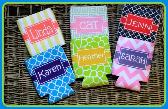 Mariage - Can Koozie Customizable Bridal Party Gifts Bachelorette Party Bridesmaids Groomsmen Coozie Personalized Koozies Monogrammed Monogram Custom
