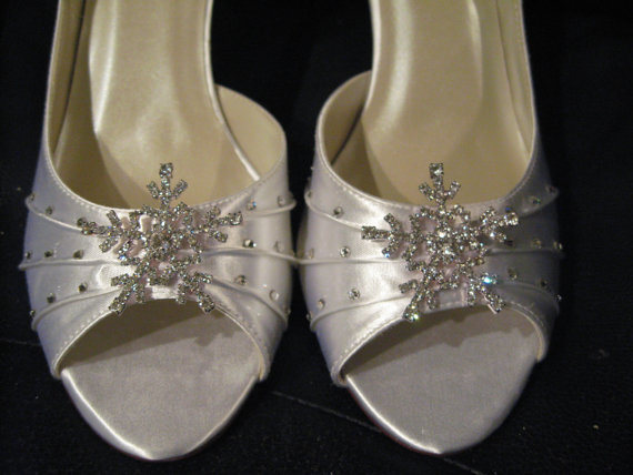 Свадьба - Winter Wedding Bridal Shoes with Crystal Snowflake Wedding Shoes Over 100 Custom Color Choices