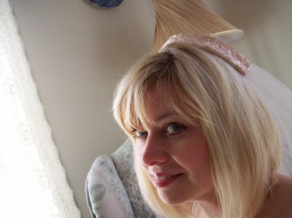 Свадьба - Wedding veil powder pink Jackie Kennedy cap simple juliet cap bridal cap pale pink with veil