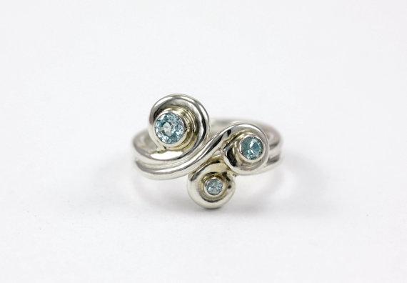 Mariage - Custom Gemstone Wave Ring - Sterling Silver, 14k Palladium White, Rose or Yellow Gold - Engagement Wedding Promise Ring, Mothers Ring