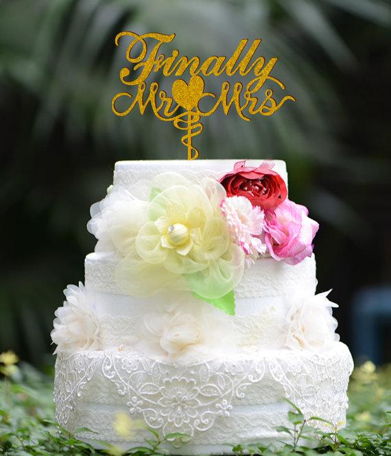 Mariage - Finally Mr & Mrs cake topper, Wedding Cake Topper Monogram Mr and Mrs cake Topper Acrylic cake topper 056