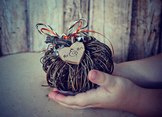 Mariage - Fall wedding-ring holder-ring bearer-alternative-pumpkin-fall-thanksgiving-wedding-ring-box-pillow-fall wedding decor-gourd-cake topper