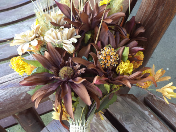 Свадьба - Rustic Wedding / Fall Wedding / Country Wedding / Silk Bridal Bouquet / MOH or Toss Bouquet / 2 Boutonnieres / Silk Wedding Flowers