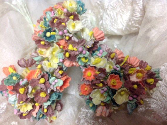 Mariage - 1 BOUQUET  VINTAGE Millinery Flowers Flocked Forget Me Nots Autumn Colors - Thanksgiving decor - Autumn Wedding - Autumn Bouquet