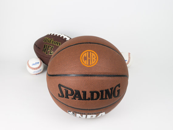 Свадьба - Personalized Basketball, Groomsmen Gift, Holiday Gift, Birthday Gift, College Basketball, High School Basketball, Keepsake Basketball.