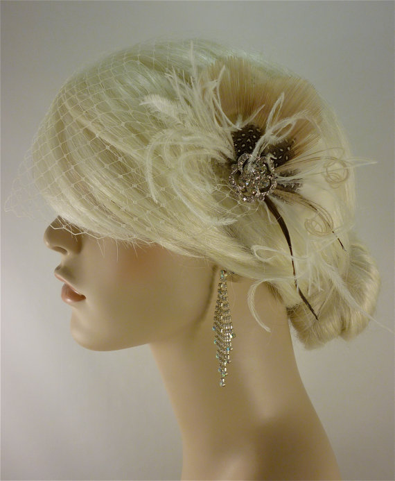 Свадьба - Bridal Feather Fascinator, Bridal Fascinator, Feather Fascinator, Fascinator, Hair Clip, Wedding Veil, Bridal Veil