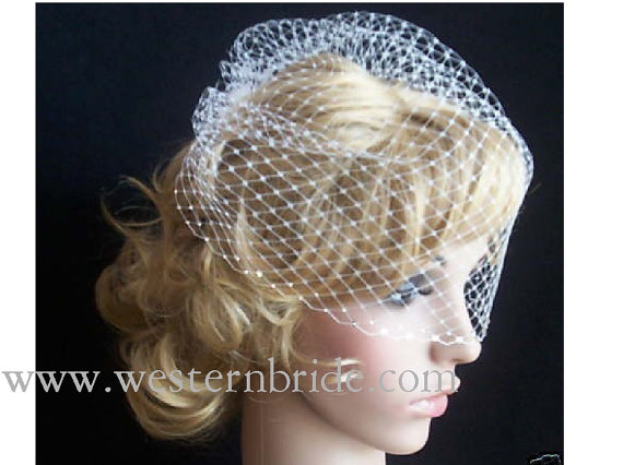"""Mariage - IVORY  birdcagecage veil 12"""" goes til the pick of the nose. with swarovski crystals on the edge."""