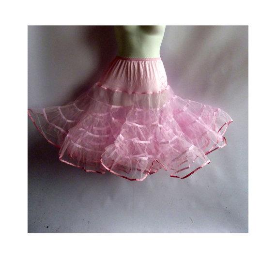 Hochzeit - Vintage Petticoat One Size White Half Slip Tulle Crinoline Cupcake Pin Up Malco Modes