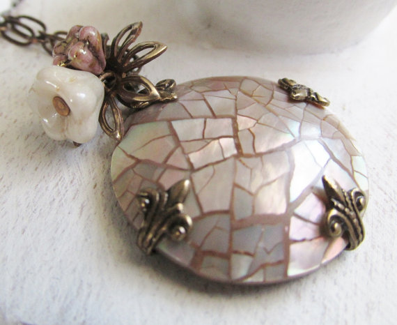 Mariage - Abalone Shell Necklace,Pendant Necklace,Mosaic Jewelry,Unique,OOAK Jewelry,Vintage Style Wedding Jewelry,Pink,Green,Flower Pendant