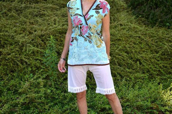 Wedding - White Frilly Pettipants Shorts Vintage Lingerie  Vtg Size Large Modern Small  Medium - VL240