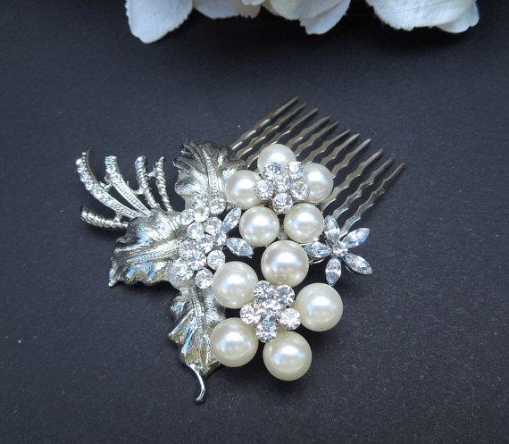 Свадьба - Ivory Pearls Hair Comb,Rhinestone Hair Comb, Wedding Hair Comb,Rhinestone Bridal Hair Comb,Vintage Wedding Jewelry,Statement Hair Comb,WANDA
