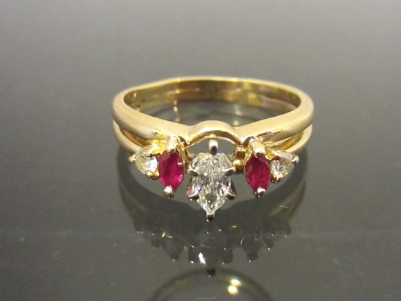 Mariage - Vintage 14K Solid YG .36Ct Genuine Ruby & Diamond Engagement Ring Size 7