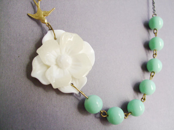Mariage - Ivory Bridal Jewelry,Ivor Flower Necklace,Bridesmaid Jewelry Set,Mint Jewelry,Gardenia Jewelry,Wedding Jewelry,Gift (Free matching earrings)