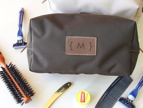 Свадьба - Monogrammed Canvas Toiletry Bags - Wedding Gifts, Groomsmen, Personalized