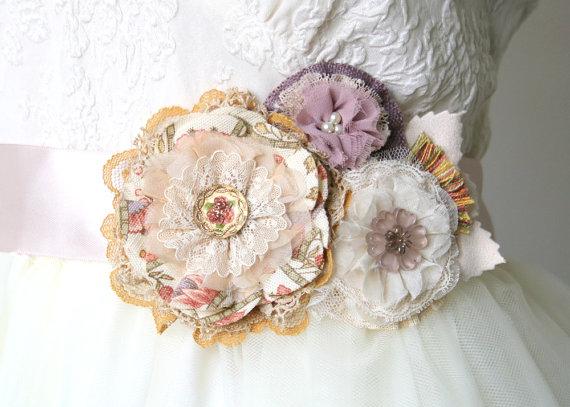 Свадьба - Bridal Belt, Floral Wedding Sash, Rustic Sash, Vintage Wedding Sash, Blush Pink, Peach, Lilac, Lavender, Fabric Flower Sash, Colorful Sash