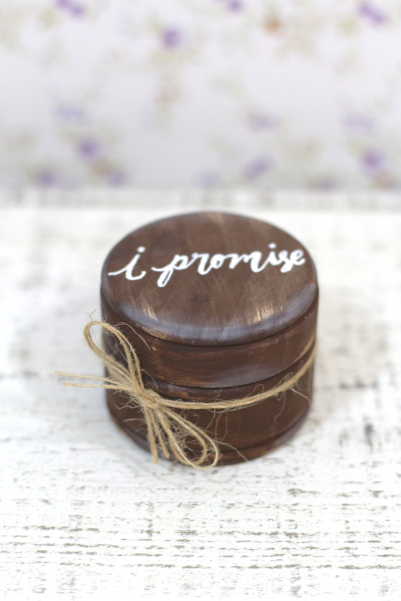 """Hochzeit - Rustic Ring Bearer Pillow Box with Mossy Interior // """"I Promise"""" // Rustic Weddings - (RB-3)"""