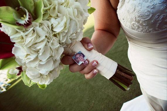 زفاف - BC2- Bridal Bouquet Charm - Medium Photo Pendant - Custom Bouquet Jewelry