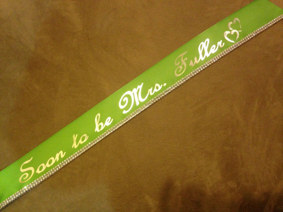 Mariage - Wedding Sash, Bachelorette Sash, Bridal Party Favors,Bride To Be, Custom sash, You Choose color and Wording, Fun and Unique Gift