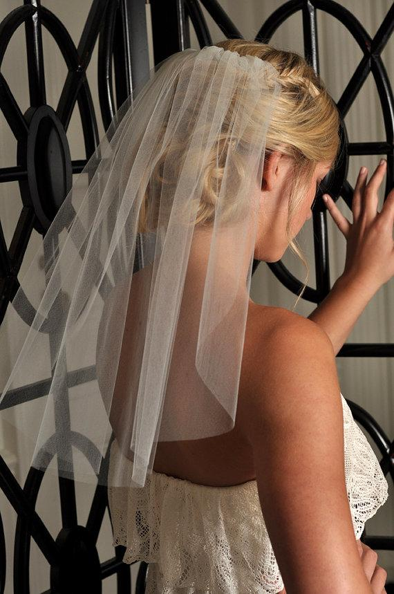 Mariage - Short Veil - Ready to Ship - Soft Shoulder Length Veil with Raw Cut Edge in LIGHT IVORY