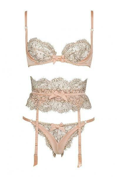 Mariage - Lacy & Racy