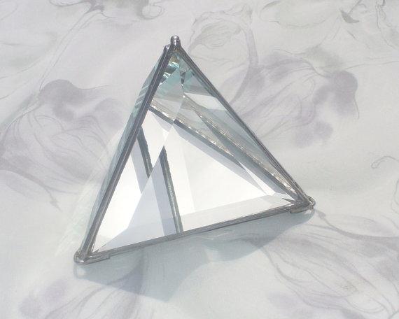 """زفاف - 4"""" Pyramid Bevel Box, Triangular Pyramid Boxes, Ring Bearer Boxes, Glass Pyramid Display Box, Mirror Bottom"""
