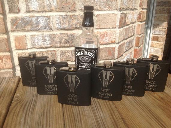 Mariage - 1 groomsmen metal flask-personalized wedding flask