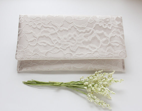 Свадьба - Lace Wedding Clutch, Champagne Clutch, Nude Clutch, White Lace Clutch, Bridesmaid Clutch, Bridesmaid Gift Idea, Neutral Clutch