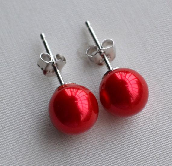 زفاف - red pearl earrings,Glass Pearl earrings,8mm or 10mm red pearl earrings,round pearl stud earrings,bridesmaid earrings,wedding Jewelry