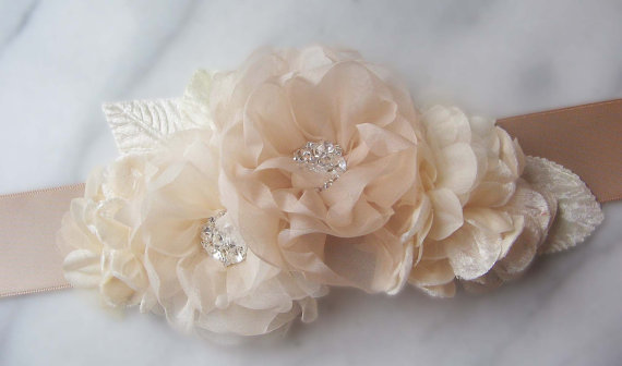 Свадьба - Champagne Bridal Sash, Cream Wedding Belt with Handmade Ivory and Champagne Organza Flowers, Ecru Sash - MAISY