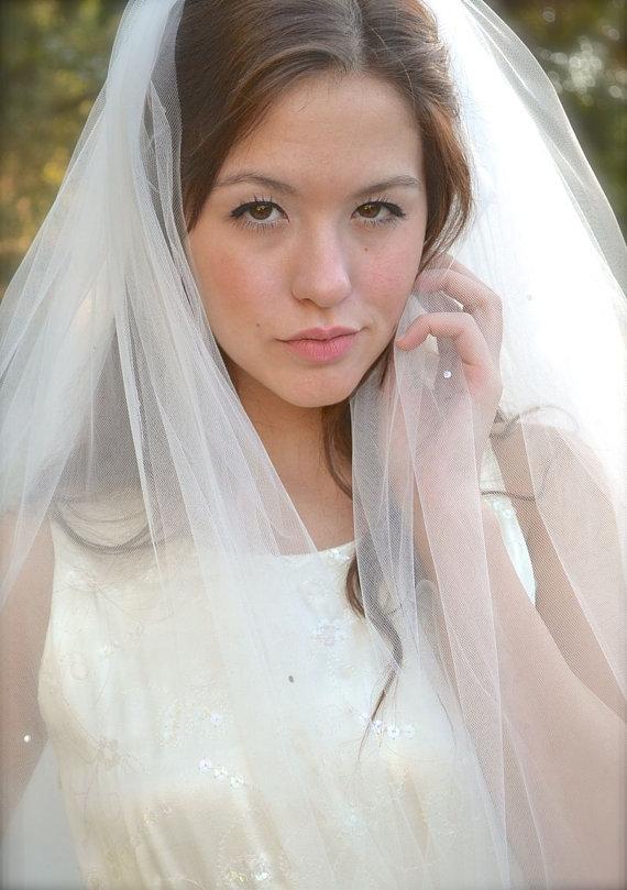 "Свадьба - Crystal Bridal Veil with blusher Cathedral Length, Swarovski Crystal Rhinestones, 108"" full veil ivory, champagne, blush pink wedding veil"
