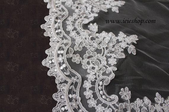 Свадьба - Catheral Length Ivory Lace Edge Mantilla Veil