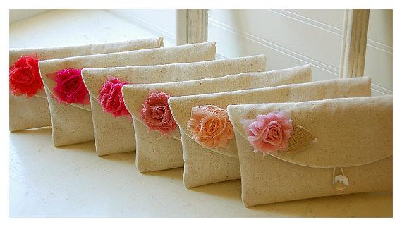Свадьба - Set 6  bridesmaid clutch wedding gift burlap shabby purse raw cotton linen clutch Bridesmaid wedding rustic Personalize party gift MakeUp