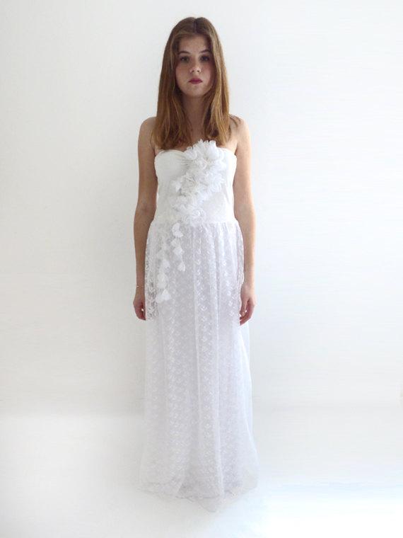Mariage - Boho Wedding Dress, Alternative Wedding Dress, Lace wedding dress, Fairy wedding dress, strapless wedding dress Bridal Gown:MIRABELLE Dress
