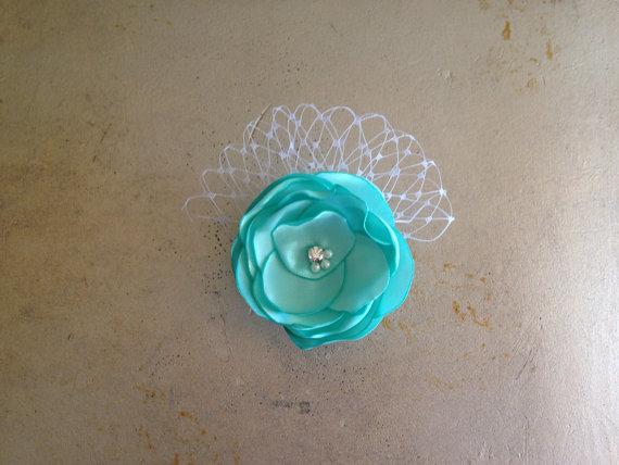 Свадьба - Super Sale Wedding Aqua Blue Doggie Hair Clip (custom colors available)
