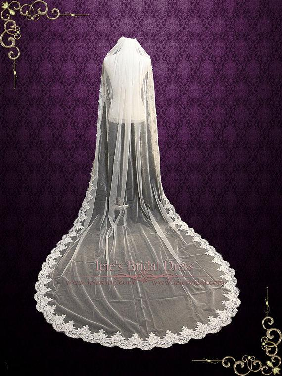 Свадьба - Cathedral Length Lace Wedding Veil Gathered at Top