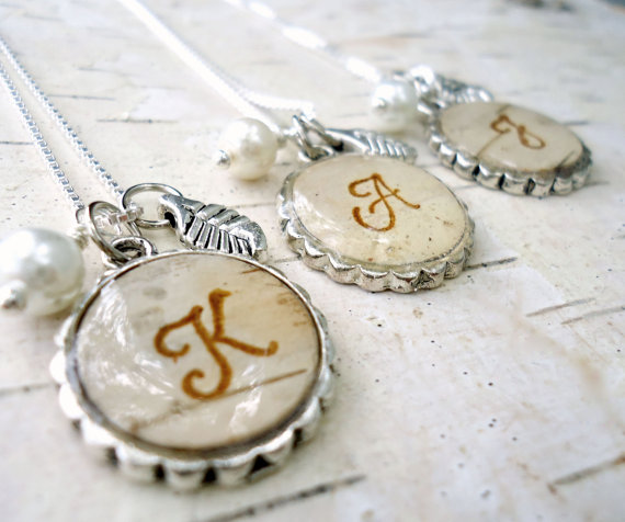 Свадьба - Personalized Bridesmaids Gifts - Birch Bark Wedding Bridesmaids Necklaces - Rustic Initial Monogram Necklace - Silver Birch Bark Jewelry