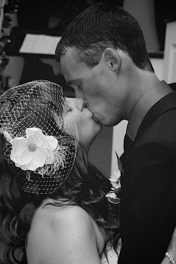 Свадьба - Vintage inspired Birdcage Veil and  Detachable Bridal Fascinator Blusher hair flower Wedding Reception -Evelyn