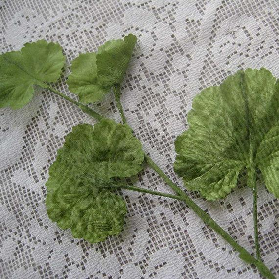Mariage - 4 Vintage Millinery Leaves Made In Germany Silk Leaves Light Green
