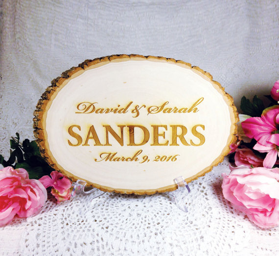 Mariage - Engraved Wedding Sign, Rustic Table Sign, Wood Slice, Custom Personalized, Groom, Bride