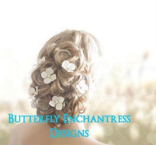 Свадьба - Ivory Hair Flowers, Bridal Hair Accessories, Wedding Hair Pins - 6 Ivory Hydrangea - Pearl Centers
